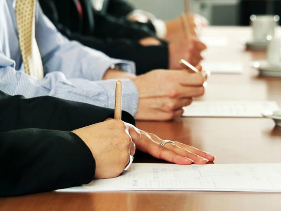 ¿Cuánto tiempo pasas en reuniones de trabajo?